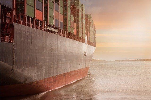 Transport kontenerów morskich